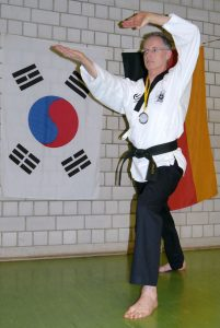 roland-zurell-badischer-vizemeister-taekwondo-poomsae-markdorf